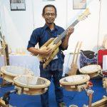 Laku Dibeli Kolektor Hingga Menteri, Gitar Bambu Adang Juga Sampai ke 12 Negara