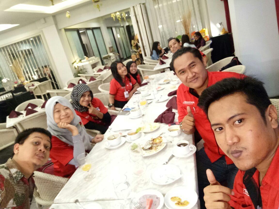 Buka Puasa Bersama Indotrading Surabaya. Foto: Indotrading Surabaya