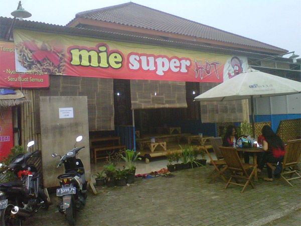 Foto: Kafe Mie Mister Hot di Cibinong/Dok: Pribadi