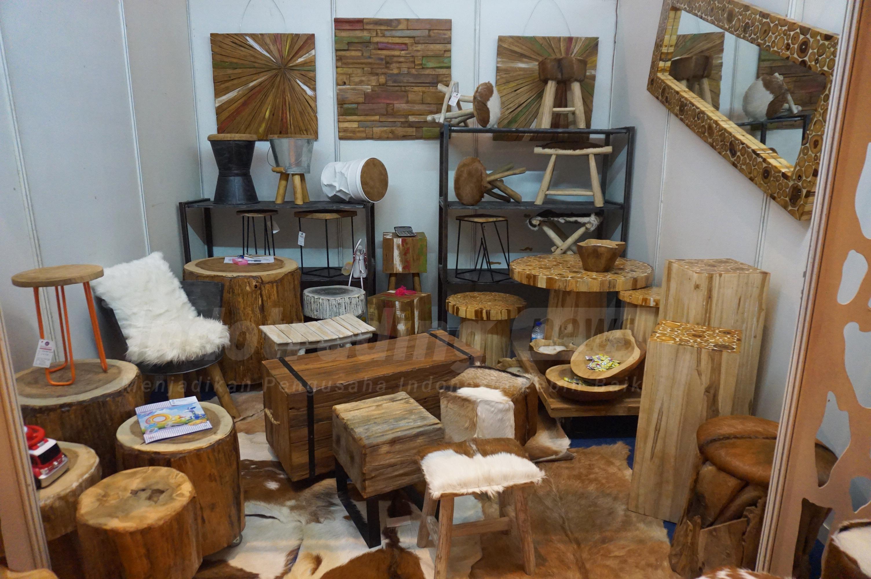 Foto: Berbagai produk buatan Pangjati Rustic Furniture & Crafts/Dok: indotrading.com