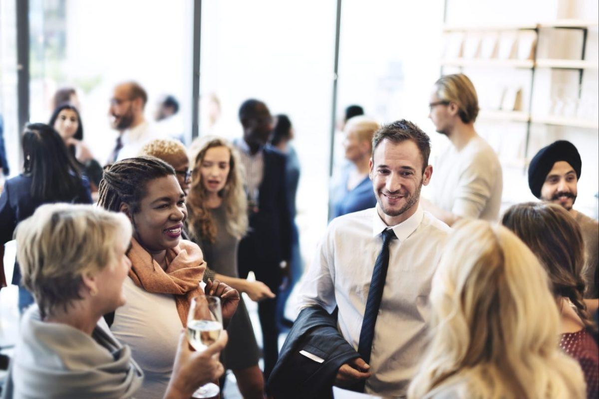 tips memulai percakapan saat networking