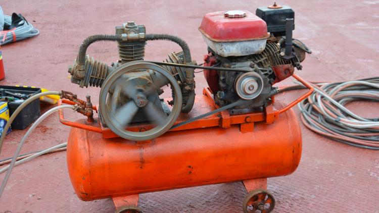 perbedaan kompresor listrik dan angin 2
