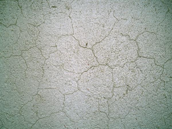 cracked-concrete-interior-wall