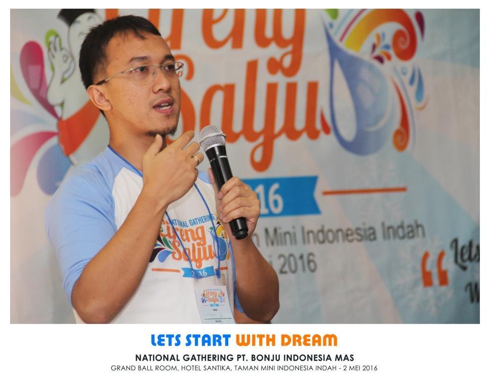Salah satu pemilik Cireng Salju, Dimas Aritejo. Dok: Cireng Salju