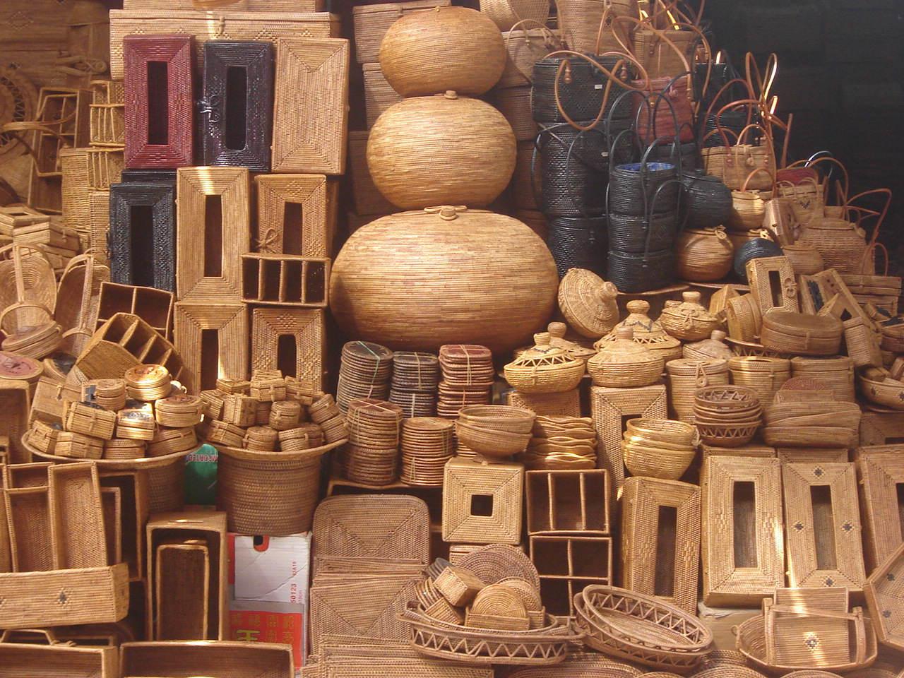 Produk-produk kerajinan tangan. Foto: wikipedia
