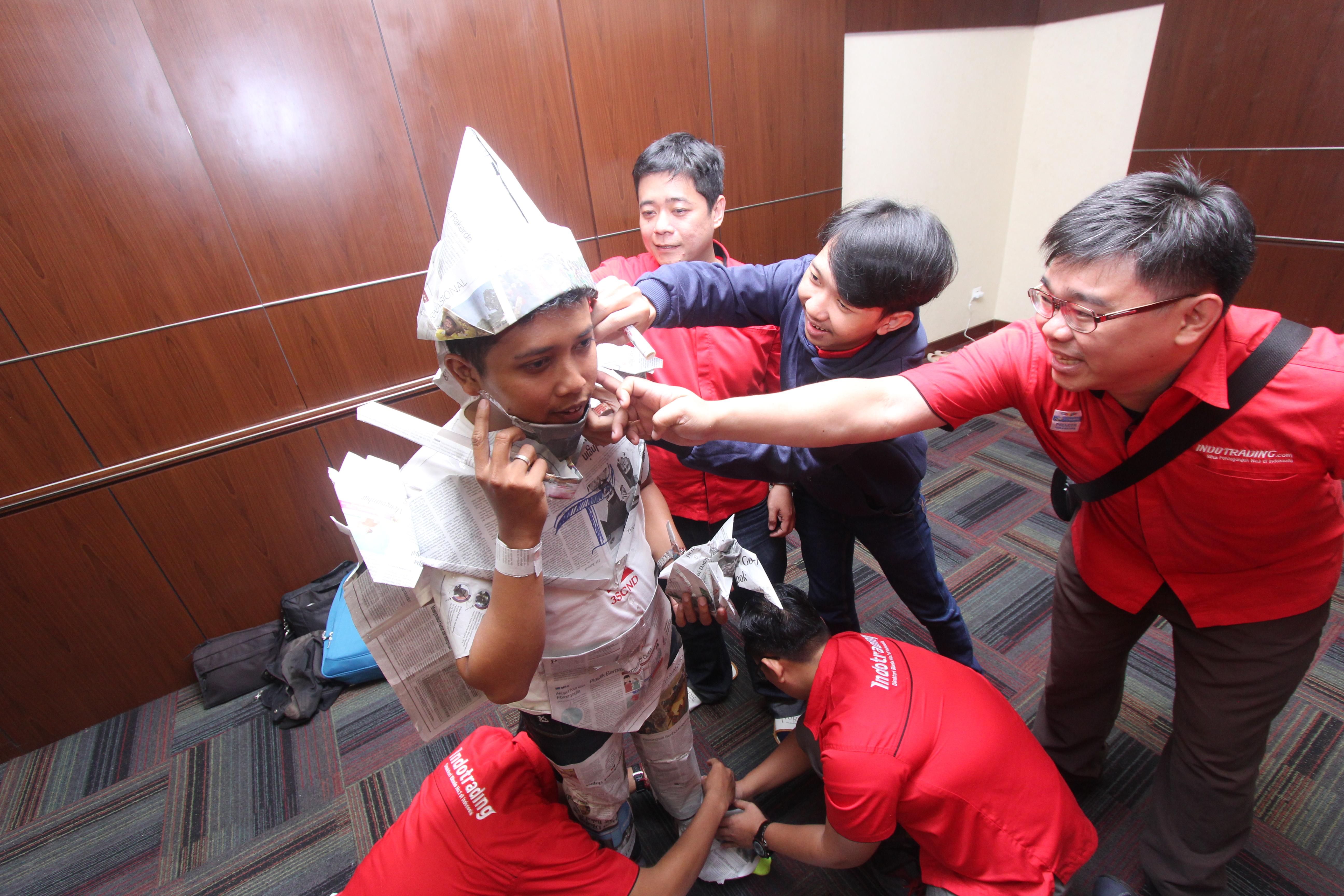 Games mendandani maskot Indotrading seru banget loh! Foto: Indotrading
