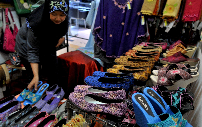 Produk sepatu dalam negeri. Foto: wikipedia
