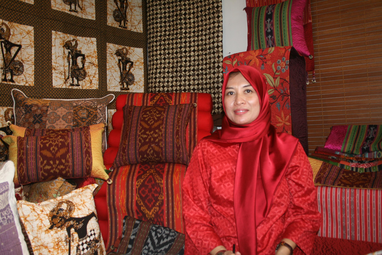 Foto: Pemilik usaha Erna's Gallery, Erna Lestari/Dok: indotrading.com