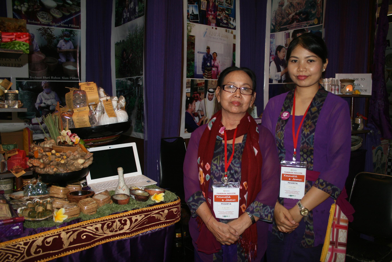 Foto: Pemilik Bali Tangi,Yuliani Djajanegara (kiri)/Dok: indotrading.com