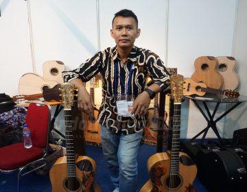 Foto: Pemilik Batik Soul Guitar, Guruh Sapdo Nugroho/Dok: indotrading.com
