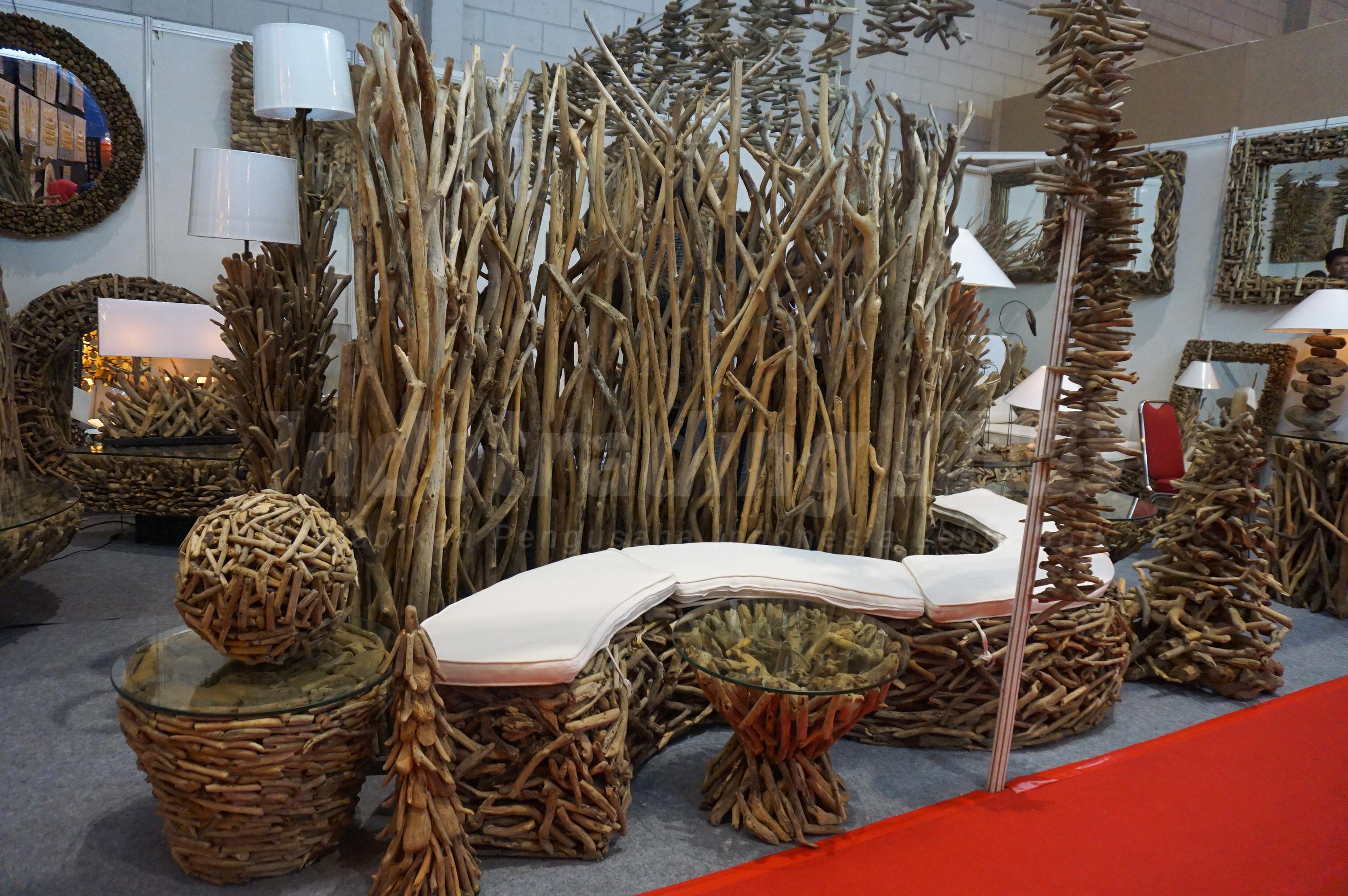 Foto: Berbagai macam interior desain Kioski Gallery milik Made Sutamaya/Dok: indotrading.com