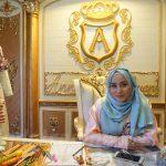 Tips Sukses Desainer Ternama Anniesa Hasibuan: Harus Pede!