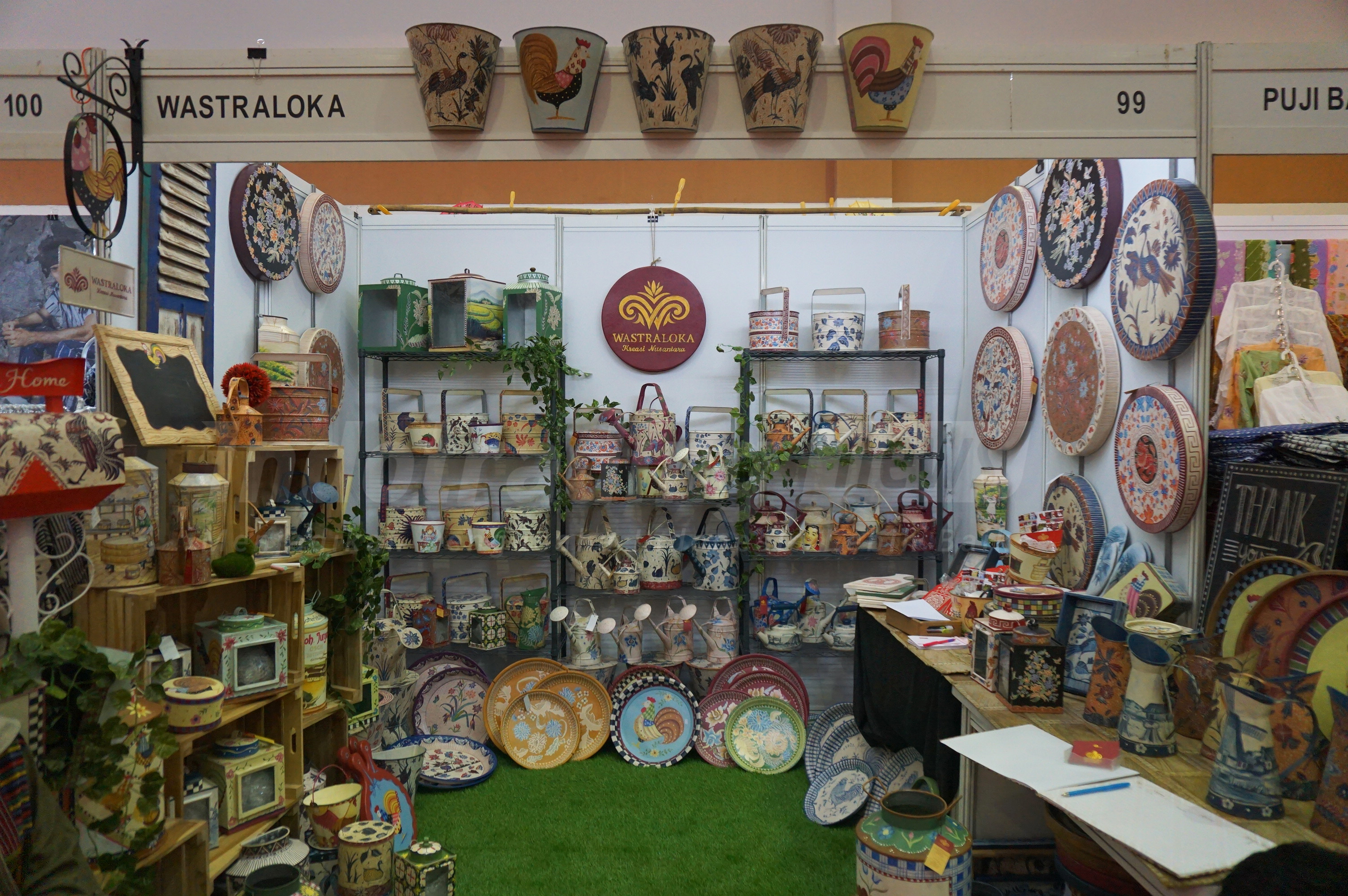 Foto: berbagai jenis produk kerajinan tangan Wastraloka/ Dok: indotrading.com