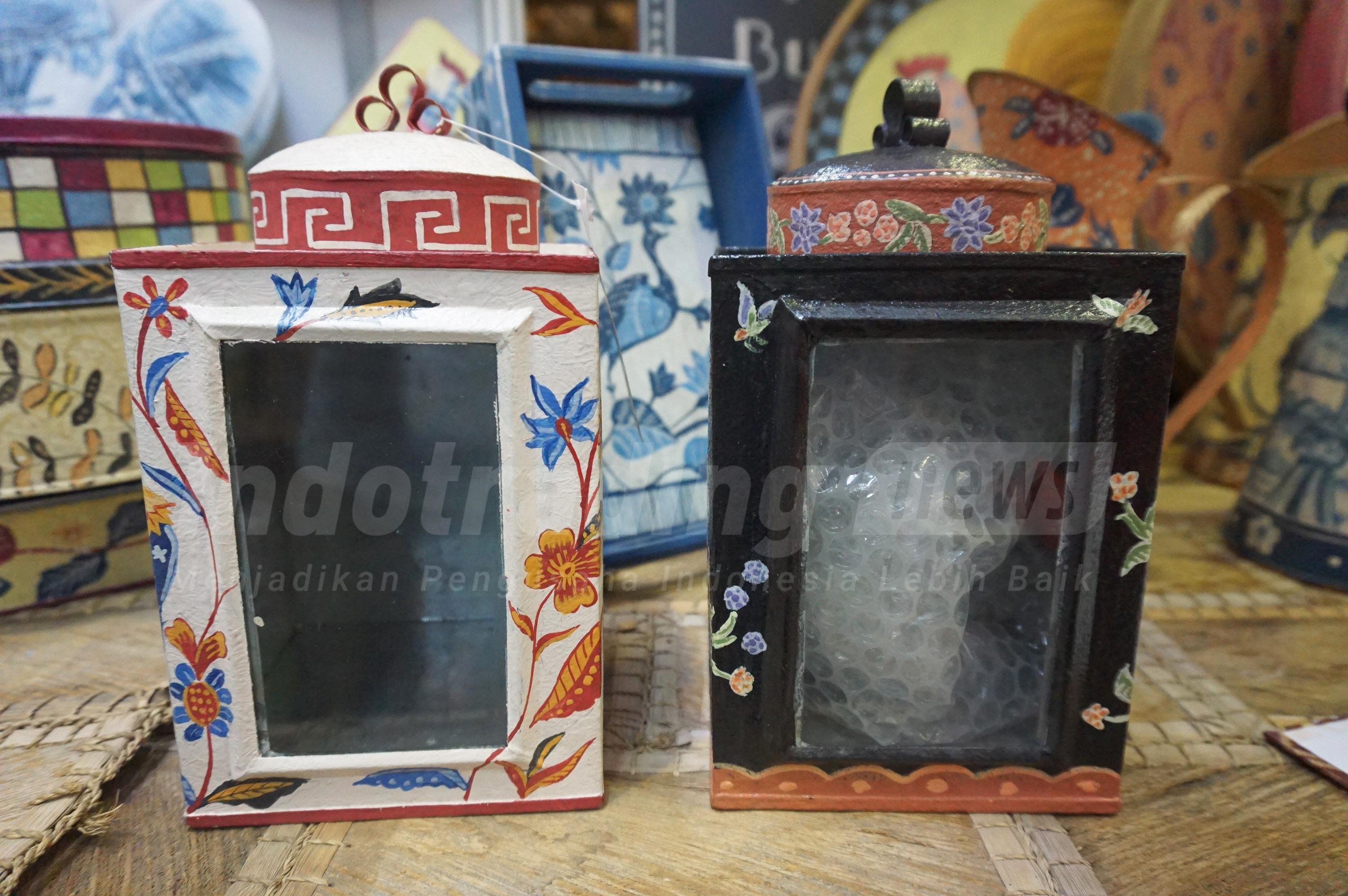 Foto: produk Wastraloka yang terbuat dari kaleng bekas/ Dok: indotrading.com