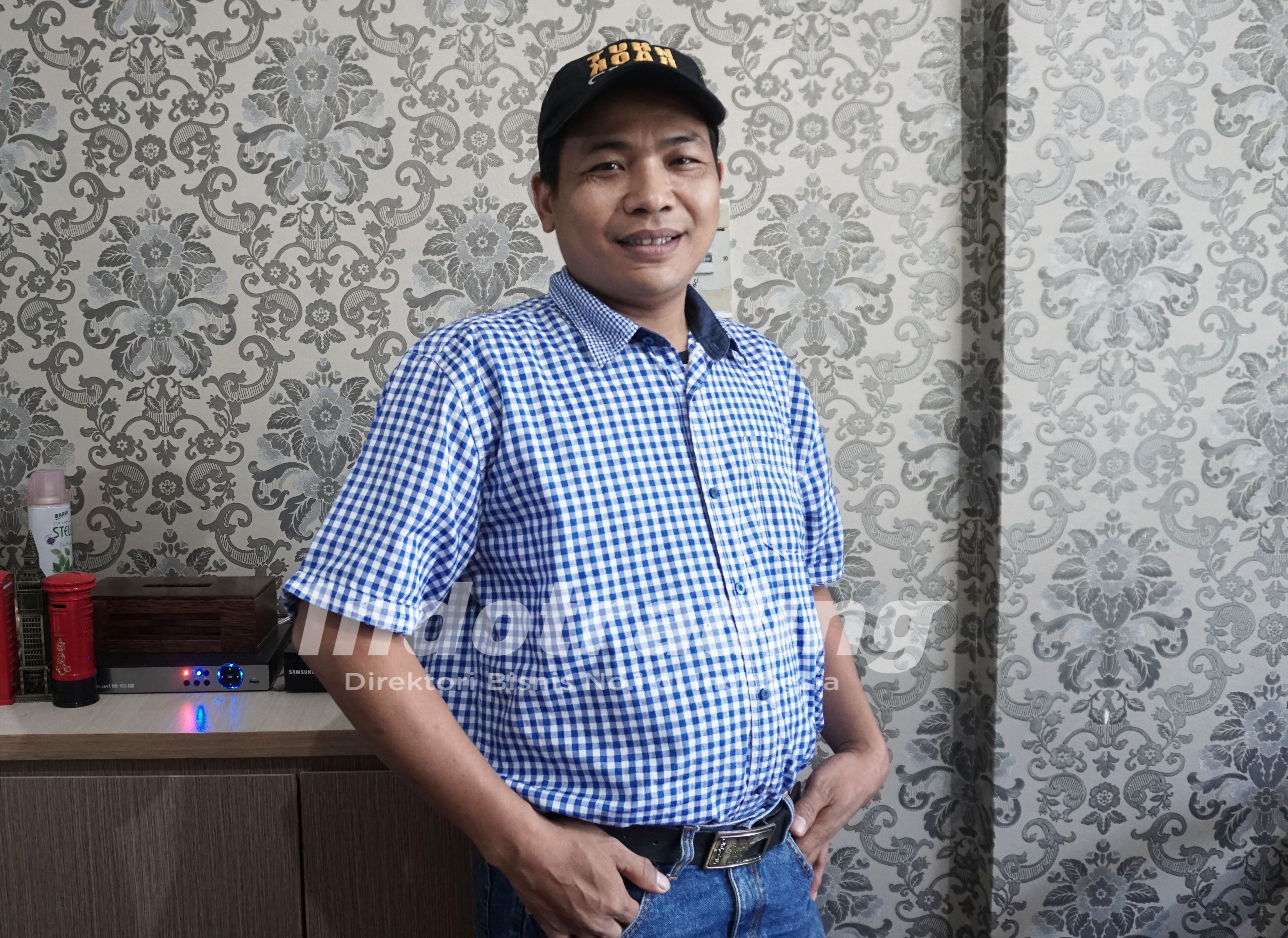 Anton Rasito Adi: Berawal Dari Penjual Telur di Pasar Kini Sukses Menjadi Bos Wallpaper