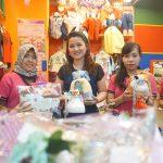 Veronica Pricillia Mantan Karyawan Bank yang Sukses Menjadi Pengusaha Souvenir Ulang Tahun
